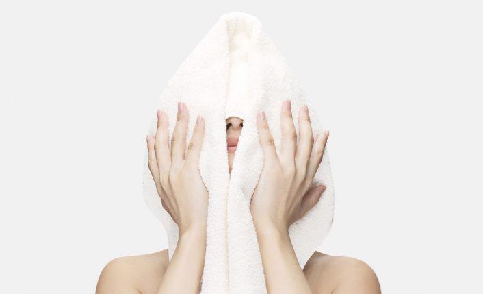 蒸しタオルは血行促進やクスミ予防にも有効です